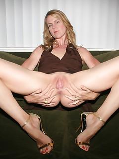 Mature Upskirt Pics