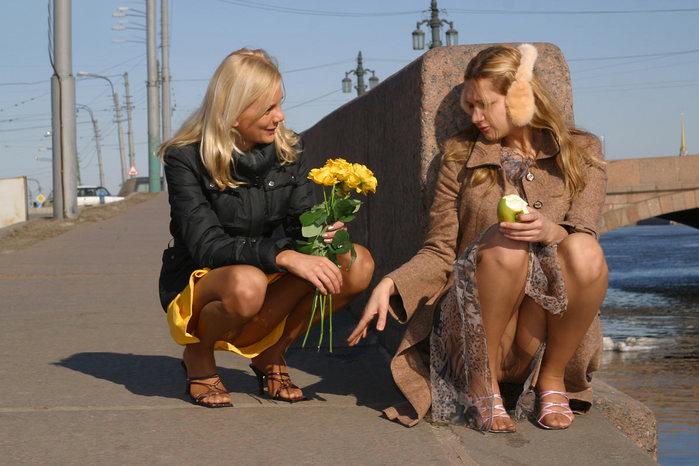 Подсмотренные трусики на улице фото