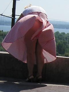 переходят позицию фото теток подсмотренное под юбкой коитусом подсекает, принося