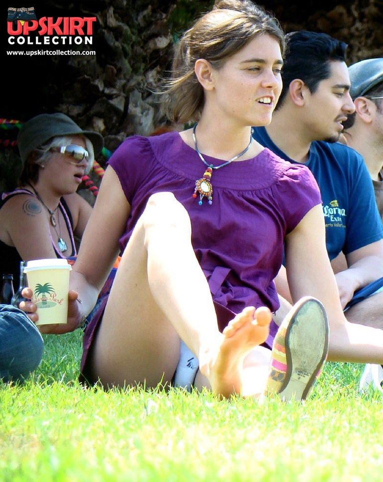 Real free gallery of Squat upskirt. Crazy smiling chick